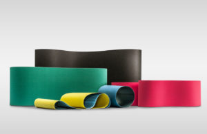 KLINGSPOR produziert Schleifbänder mit top MES in verschiedensten Qualitäten, Abmessungen und Körnungen